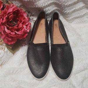 Frye Melanie slip-on leather flat black pewter
